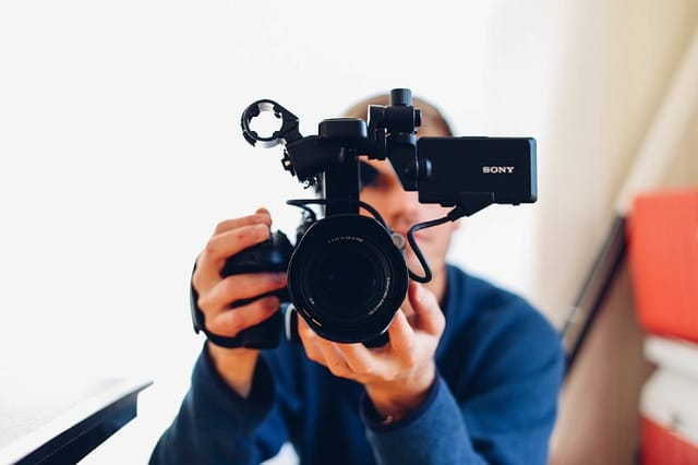 Best Tips for Starting a Vlog in 2021